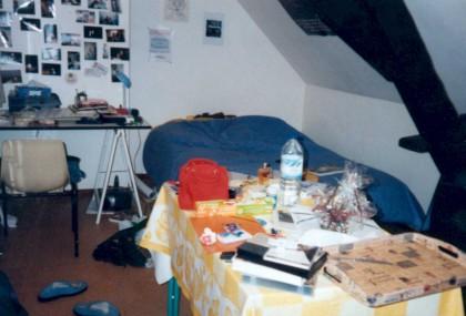 la page des chambres mal rang es. Black Bedroom Furniture Sets. Home Design Ideas